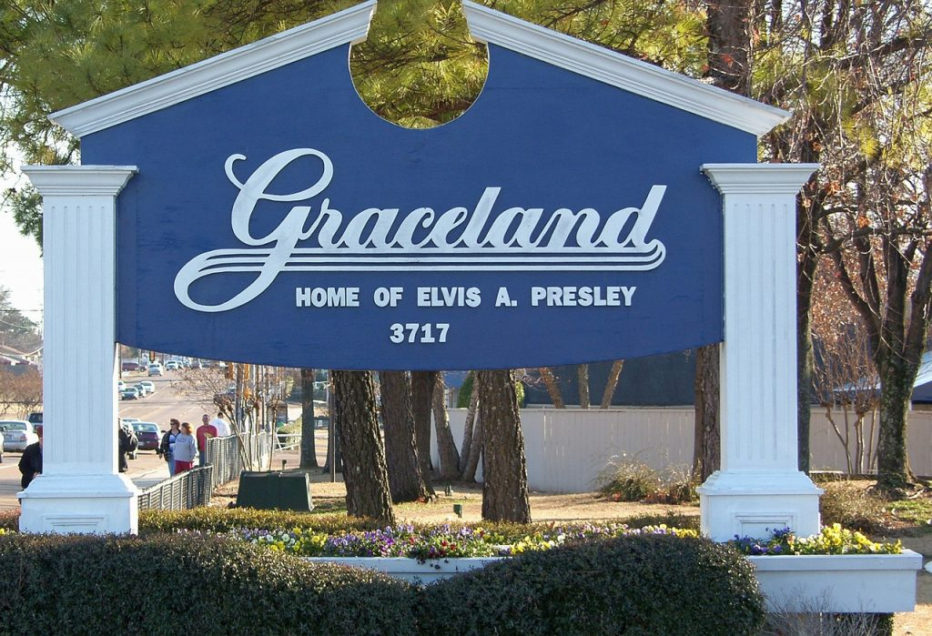 Travel TN, Live Simply, Simply Living, RV Travel, Graceland, Elvis Presley